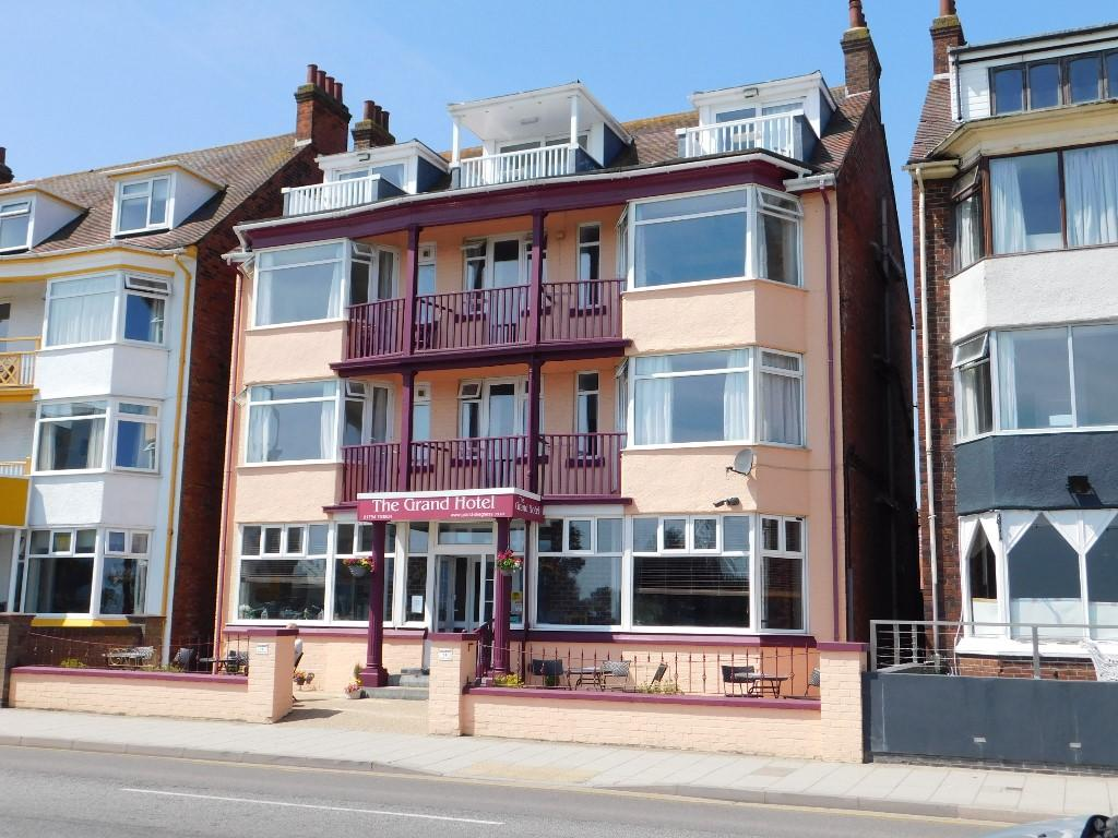 Seafront Hotel in Skegness next to Beach